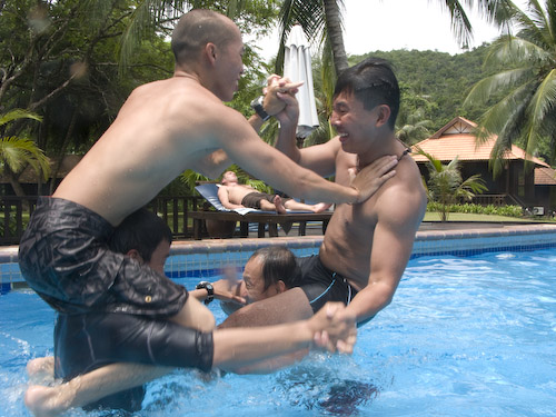img_1229-fighting-in-the-pool